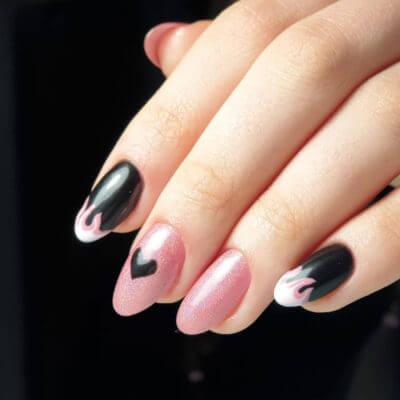 Фото розового маникюра с черным